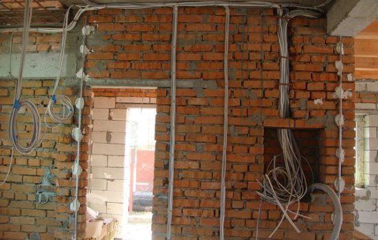 монтаж электрике в кирпичном доме