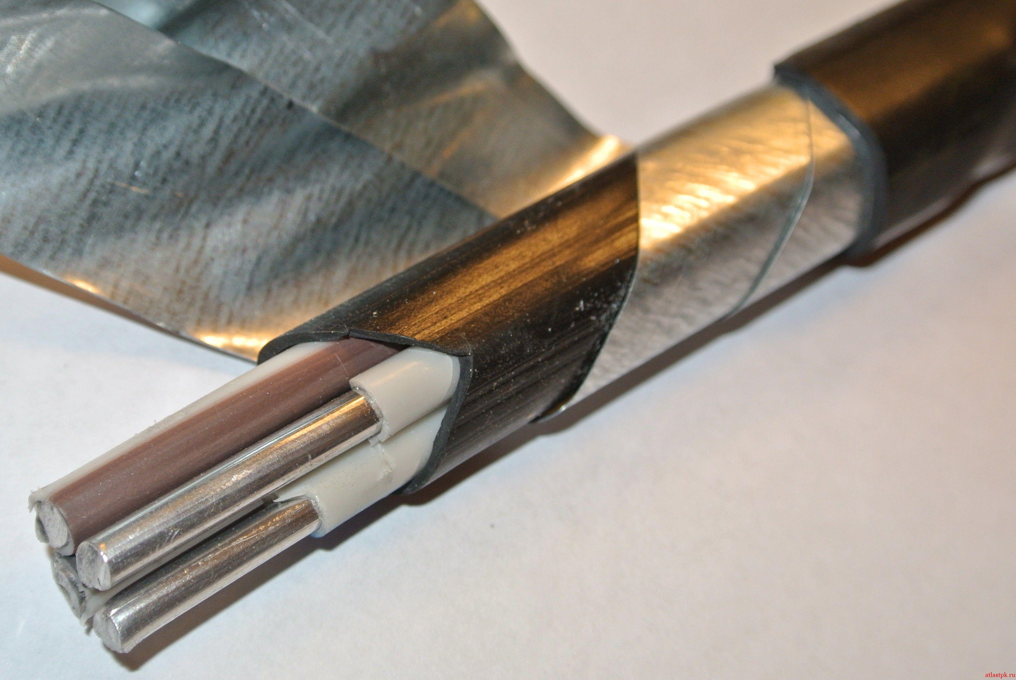 Бронированный кабель прокладка