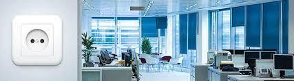 Особенности профессионального монтажа электрики в офисных и складских помещениях